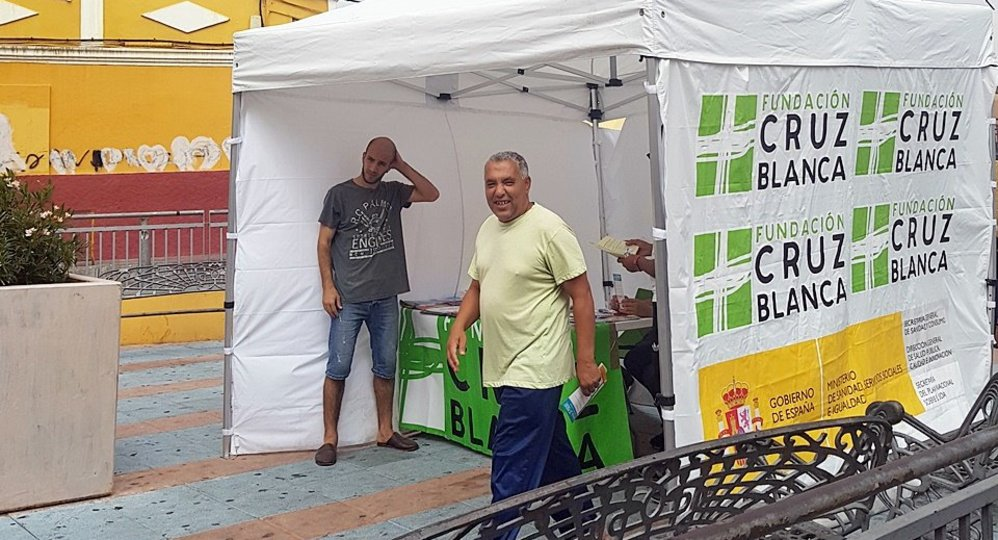 La Fundación Cruz Blanca sensibiliza al Príncipe sobre el consumo de ...