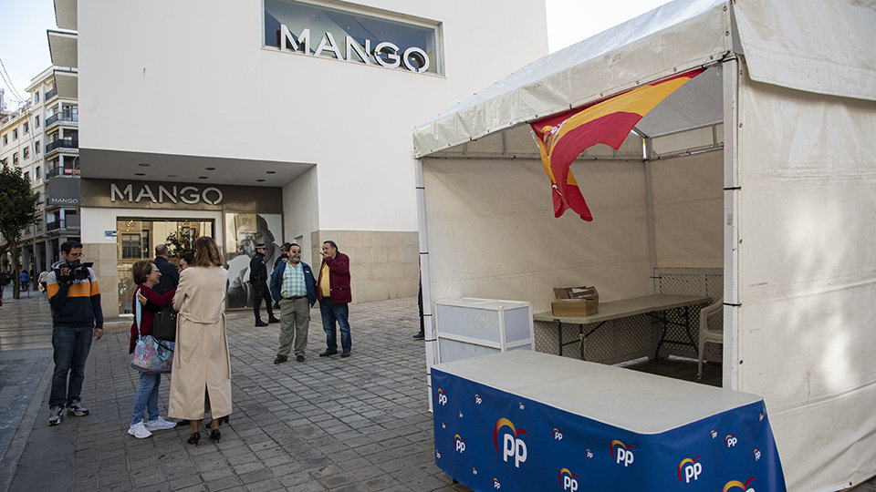 Stand 'okupa' del PP.