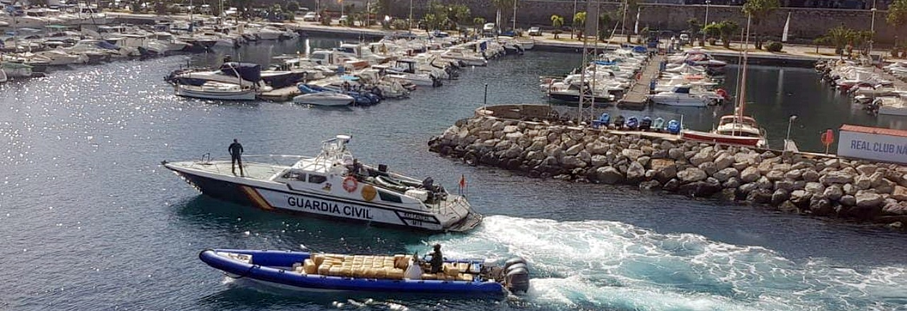 La Guardia Civil intercepta 4,4 toneladas de hachís en aguas del Estrecho